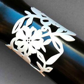 Coruu Flowery rannekoru valkoinen